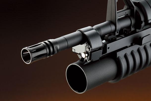 コルトM4A1カービン電動ガン&M203グレネードランチャー