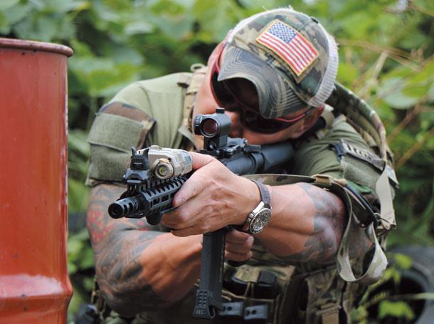 特殊部隊員のような装備の似合うカラダ作り | ニュース | アームズ ...