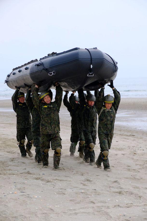 陸上自衛隊 水陸機動団の訓練「水陸両用基本訓練課程」
