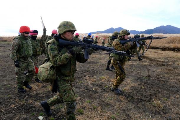 【陸上自衛隊】市街地の敵を撃破せよ! 白熱の戦闘訓練