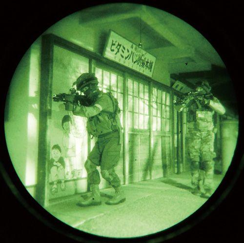弾の出ない光線銃でリアル遊園地サバゲー!  ファスガン レーザータグサバゲ